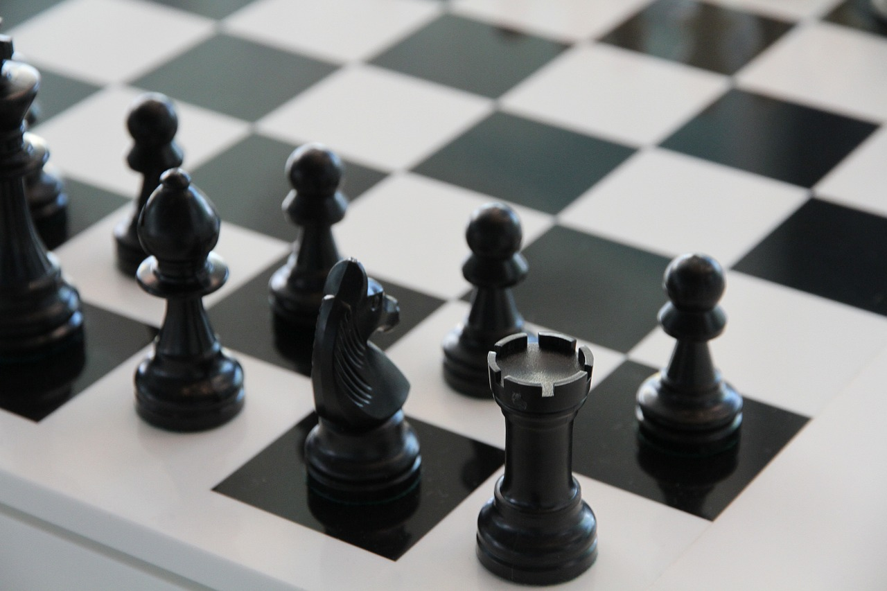 Jak nauczyć dziecko cierpliwości? Postaw na szachy!